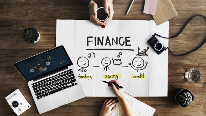 10 Tips para ahorrar dinero en tu negocio.